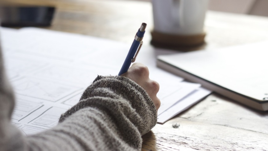 Ngutang Tulisan Itu Berat, … Kamu Gak Akan Kuat! Biar Aku Saja